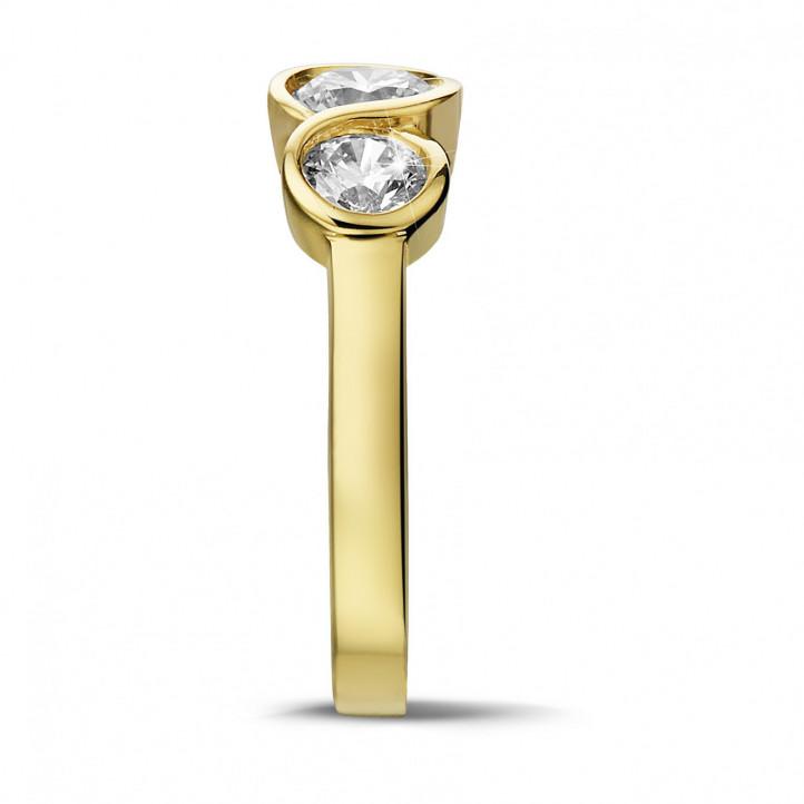 0.95 karaat trilogie ring in geel goud met ronde diamanten