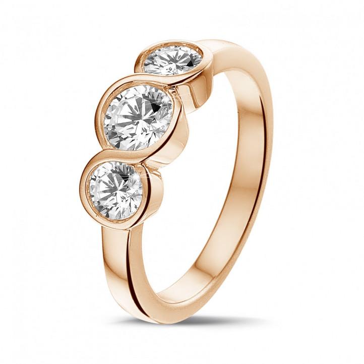 0.95 karaat trilogie ring in rood goud met ronde diamanten