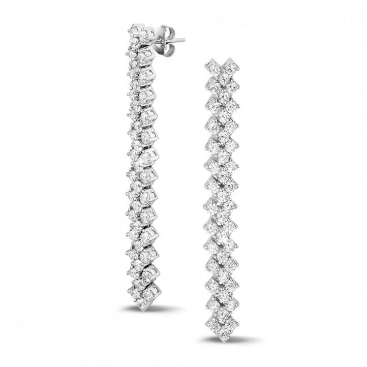 5.80 karaat diamanten oorbellen in wit goud met visgraat design