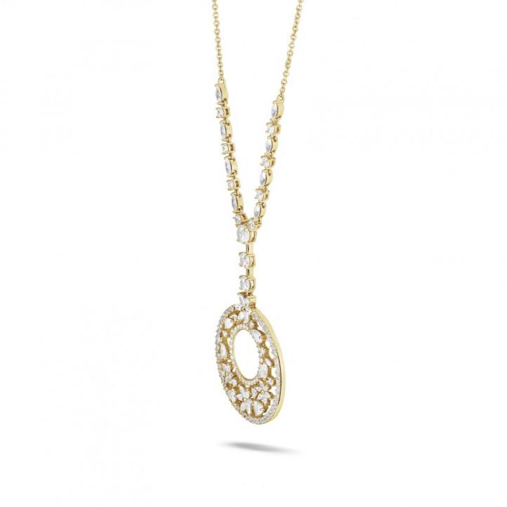 7.70 karaat halsketting in geel goud met ronde, marquise, peer- en hartvormige diamanten