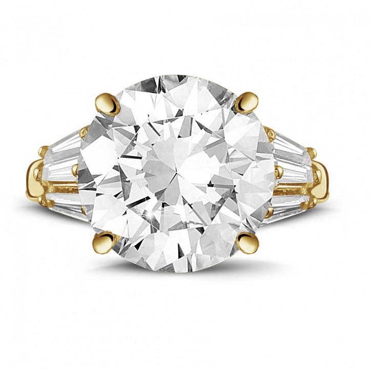 Ring in geel goud met ronde diamant en trapezoïde diamanten