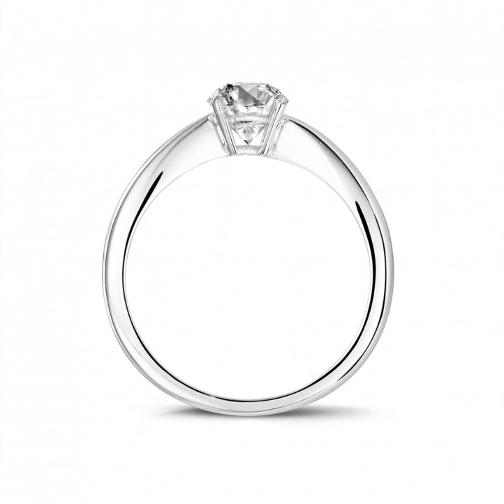 0.58 karaat solitaire ring in wit goud met ovale diamant