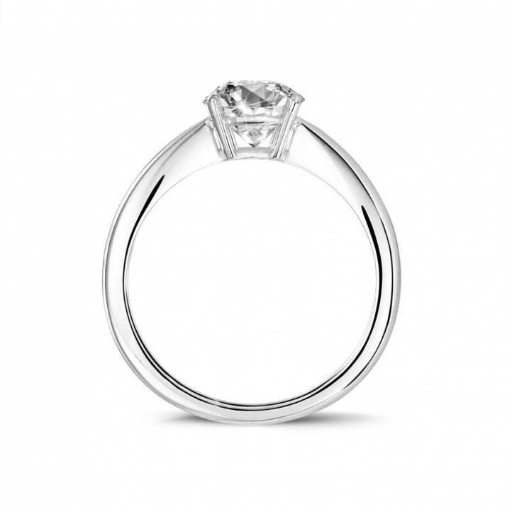 1.90 karaat solitaire ring in platina met ovale diamant