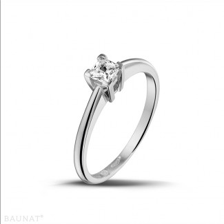0.30 karaat solitaire ring in wit goud met princess diamant