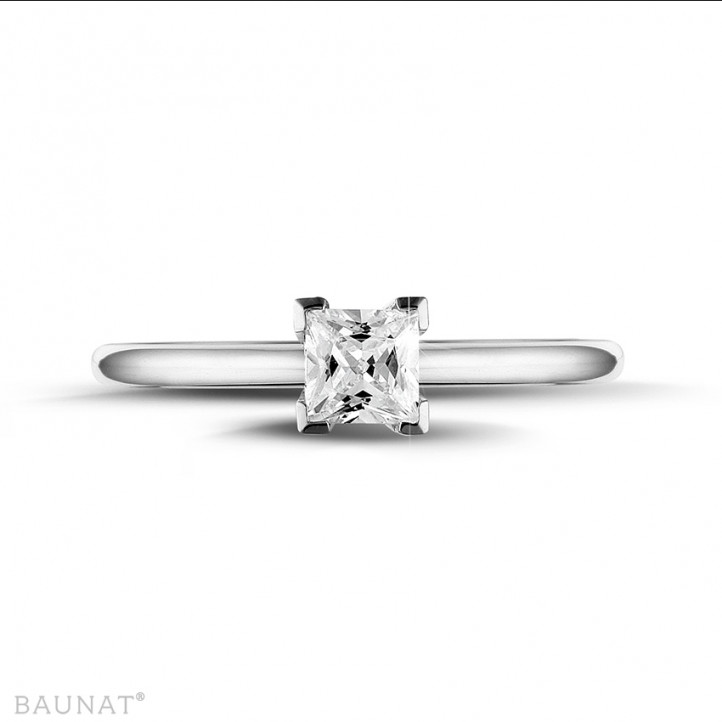 0.50 caraat solitaire ring in wit goud met princess diamant