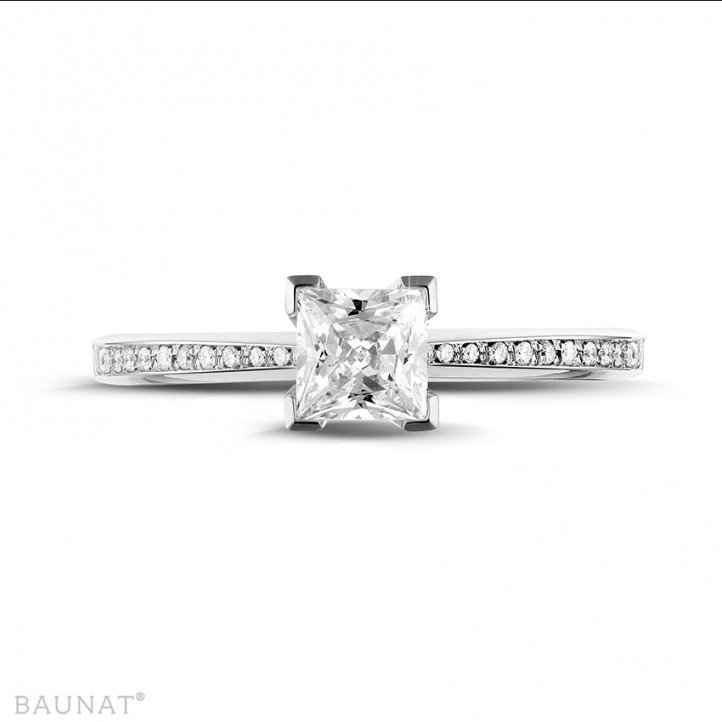 0.75 caraat solitaire ring in wit goud met princess diamant en zijdiamanten