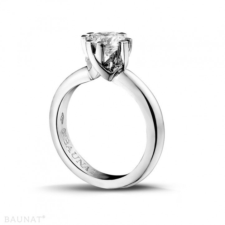 1.25 caraat diamanten solitaire design ring in platina met acht griffen