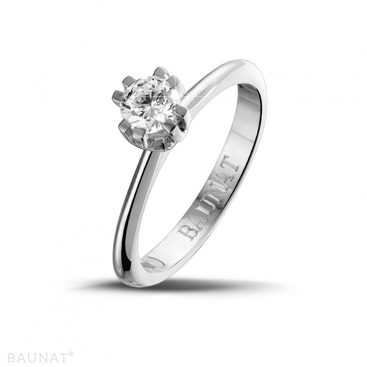 0.50 karaat diamanten solitaire design ring in platina met acht griffen