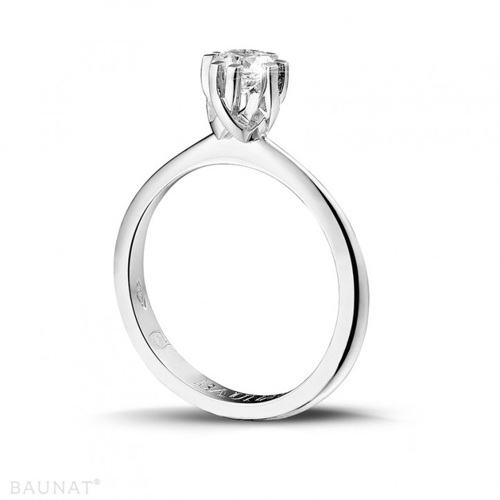 0.50 caraat diamanten solitaire design ring in platina met acht griffen