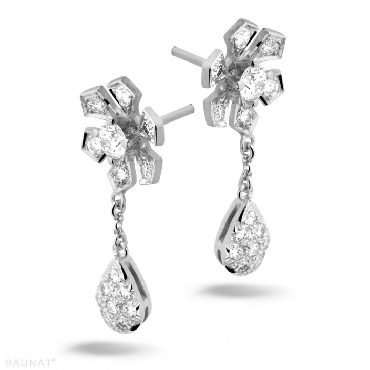0.90 caraat diamanten bloem oorbellen in wit goud
