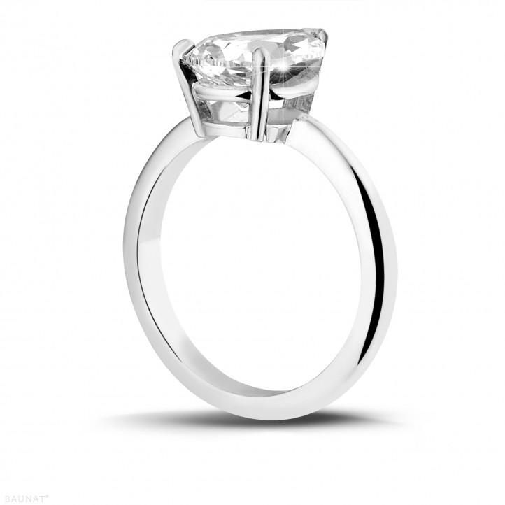 2.00 karaat solitaire ring in wit goud met peervormige diamant