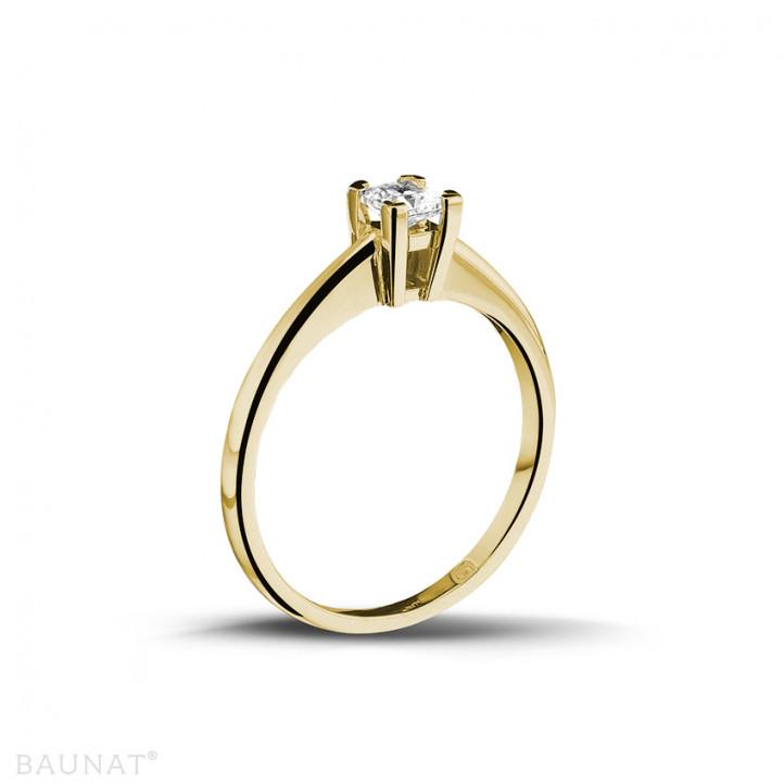 0.30 caraat solitaire ring in geel goud met princess diamant