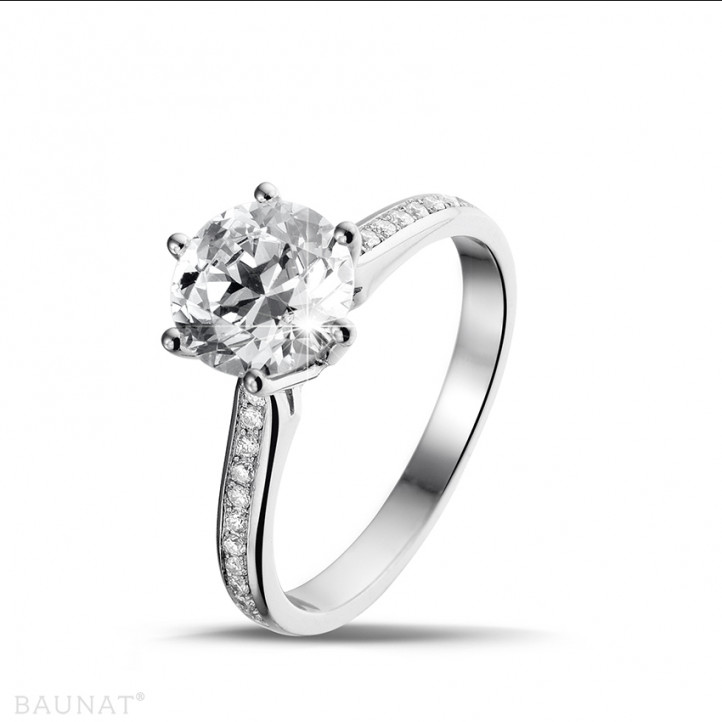 2.00 karaat diamanten solitaire ring in platina met zijdiamanten