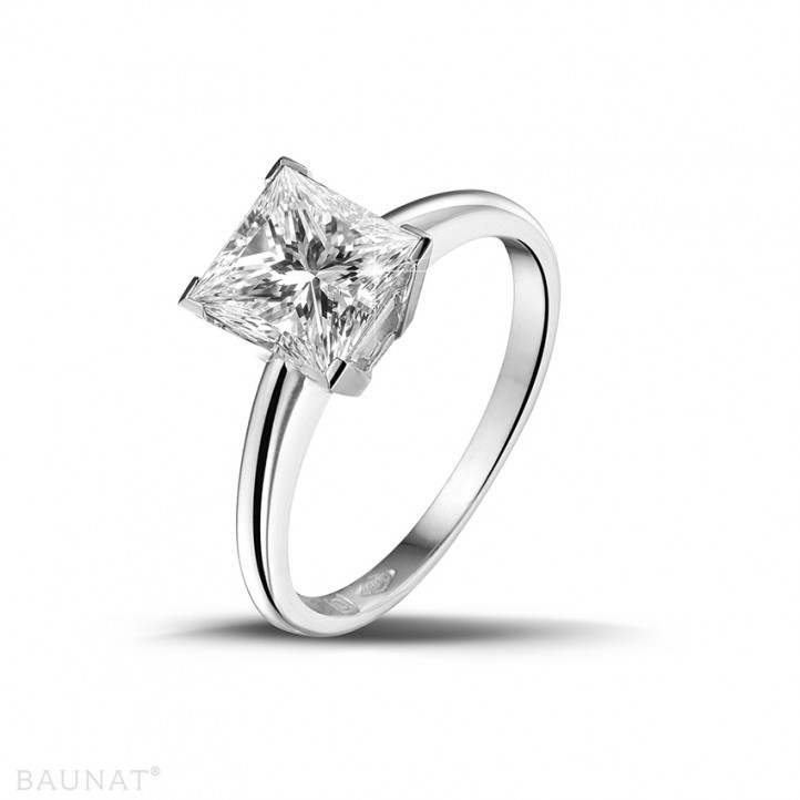 1.50 karaat solitaire ring in platina met princess diamant