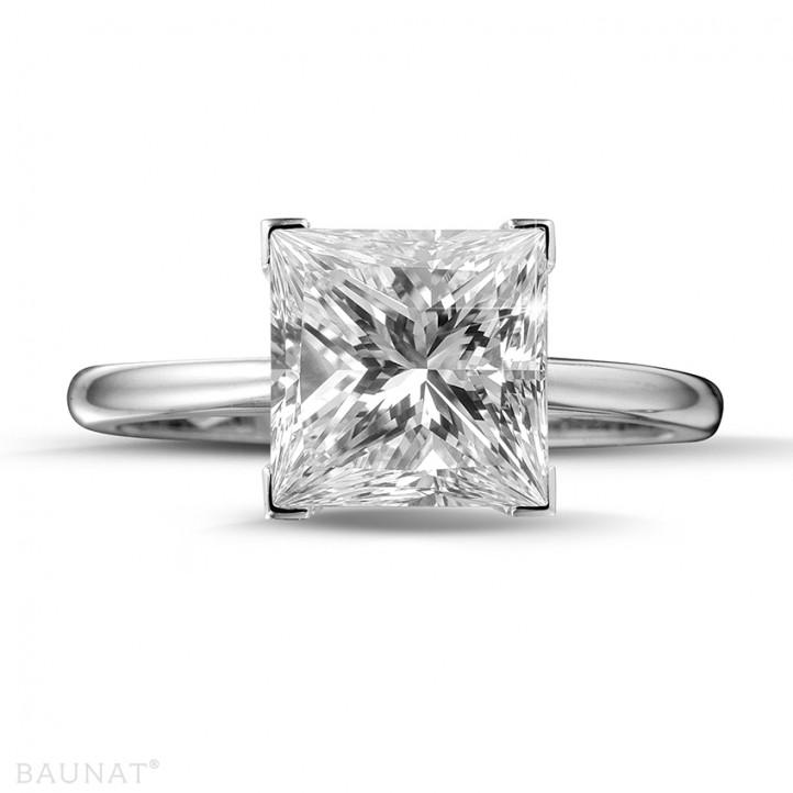 3.00 caraat solitaire ring in platina met princess diamant
