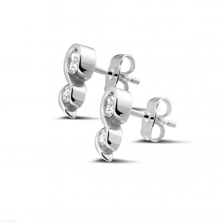 0.70 karaat diamanten oorbellen in wit goud