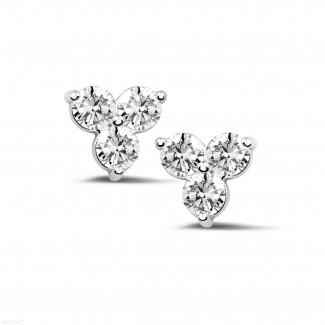 Oorbellen - 1.20 karaat diamanten trilogie oorbellen in wit goud