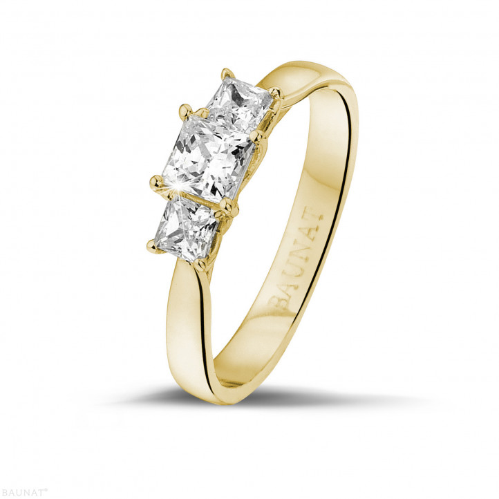 0.70 karaat trilogie ring in geel goud met princess diamanten