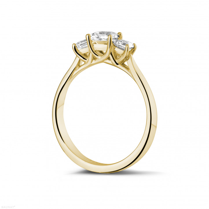 0.70 caraat trilogie ring in geel goud met princess diamanten