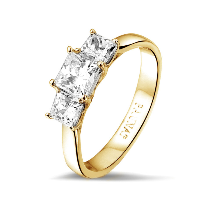 1.05 caraat trilogie ring in geel goud met princess diamanten