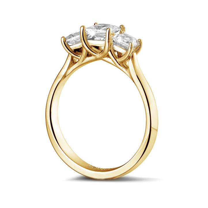 1.05 karaat trilogie ring in geel goud met princess diamanten