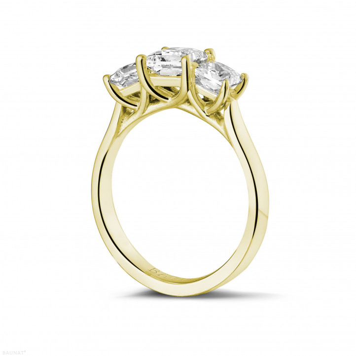 1.50 karaat trilogie ring in geel goud met princess diamanten