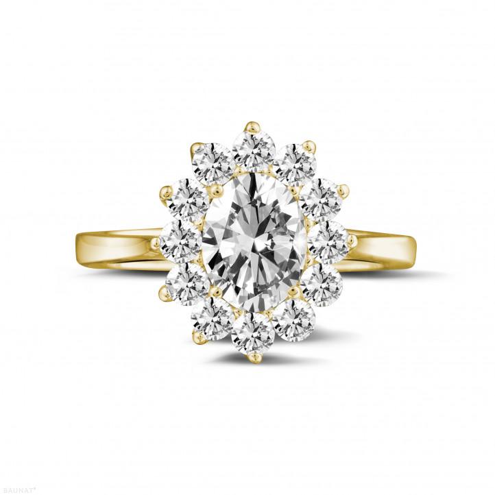 1.85 karaat entourage ring in geel goud met ovale diamant