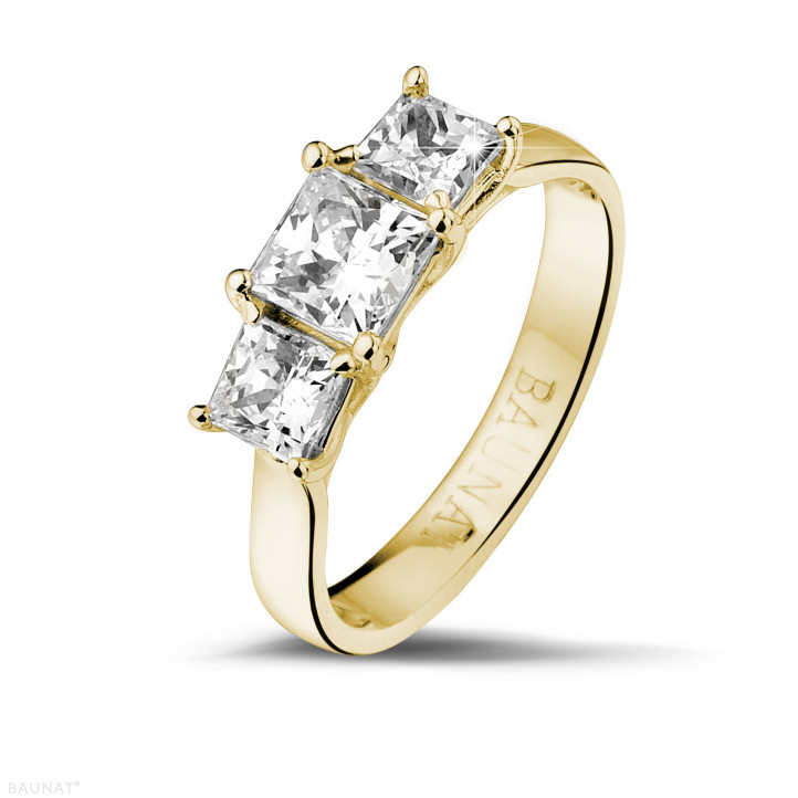 1.50 karaat trilogie ring in geel goud met princess diamanten