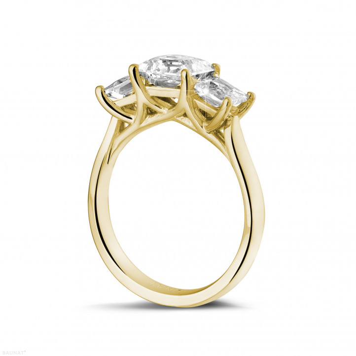 2.00 caraat trilogie ring in geel goud met princess diamanten