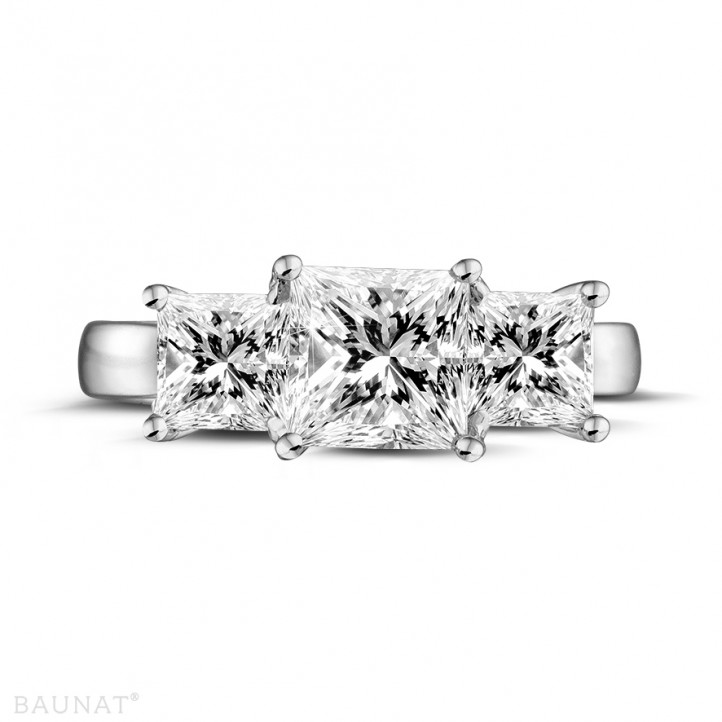 2.00 caraat trilogie ring in platina met princess diamanten