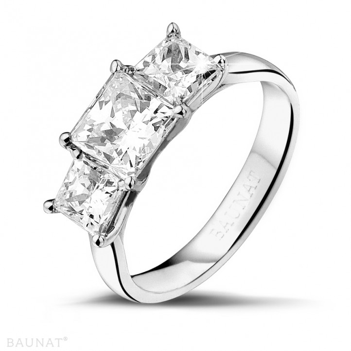 2.00 caraat trilogie ring in platina met princess diamanten