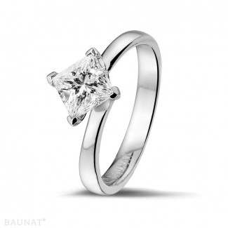 1.25 caraat solitaire ring in platina met princess diamant