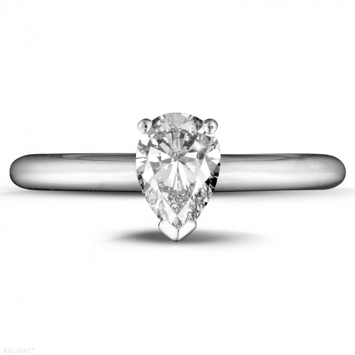 1.00 caraat solitaire ring in platina met peervormige diamant