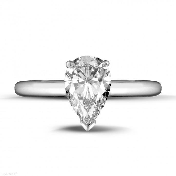 1.50 caraat solitaire ring in platina met peervormige diamant