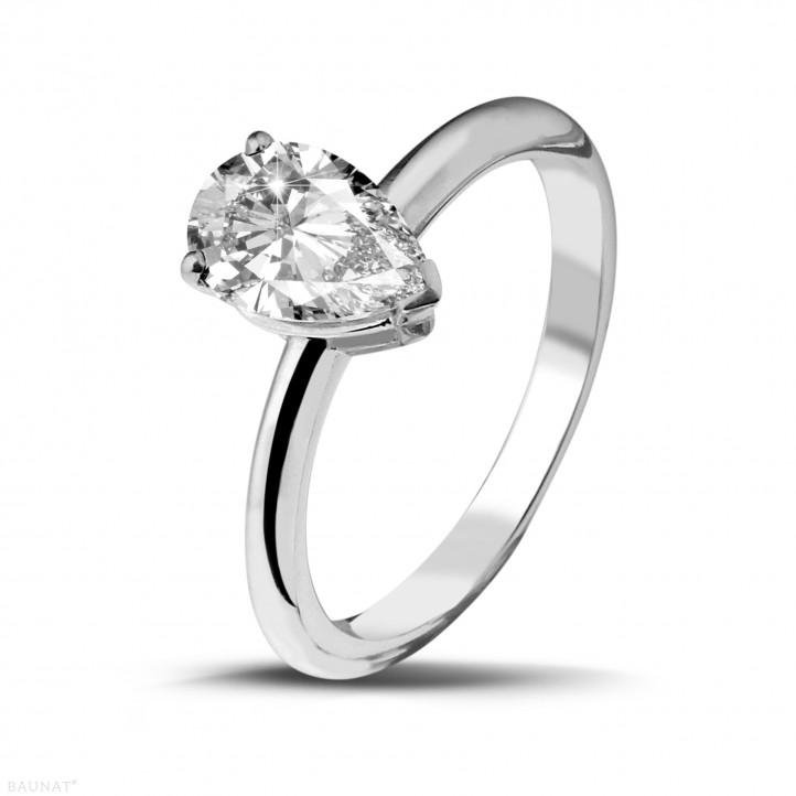 1.50 karaat solitaire ring in platina met peervormige diamant