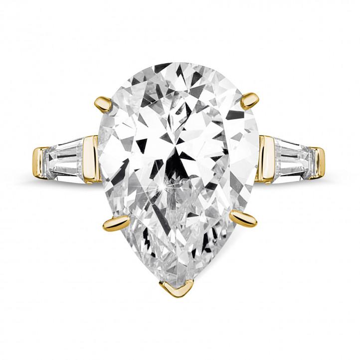三钻黄金梨形钻石戒指(镶嵌梨形钻石和尖阶梯形钻石)
