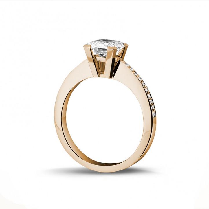 1.25克拉玫瑰金公主方钻戒指 - 戒托群镶小钻