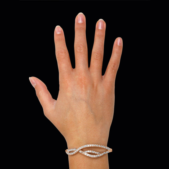 设计系列3.86克拉玫瑰金钻石手镯