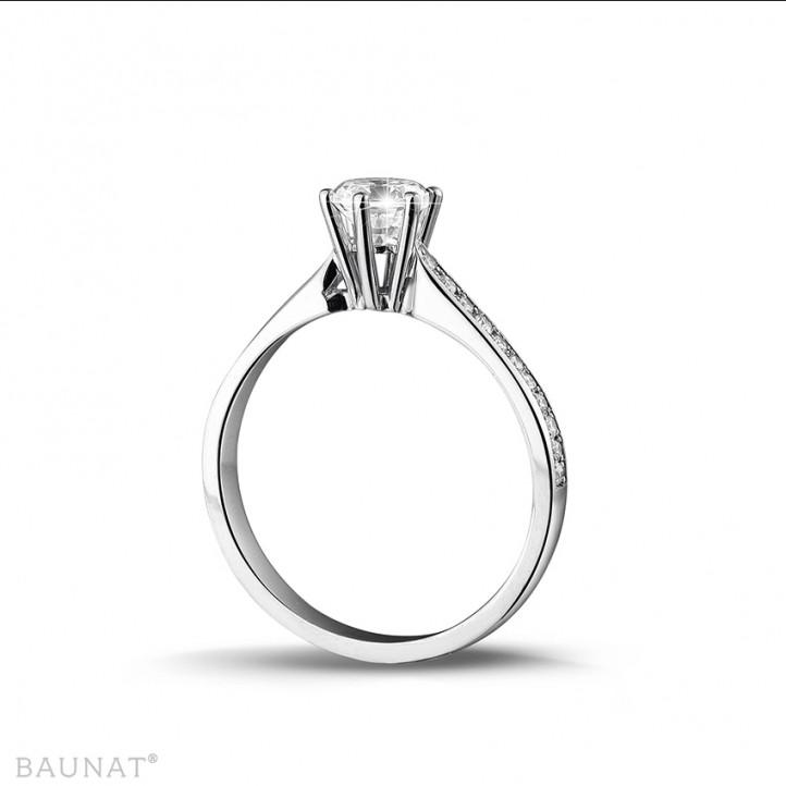 0.50克拉白金单钻戒指 - 戒圈密镶小圆钻