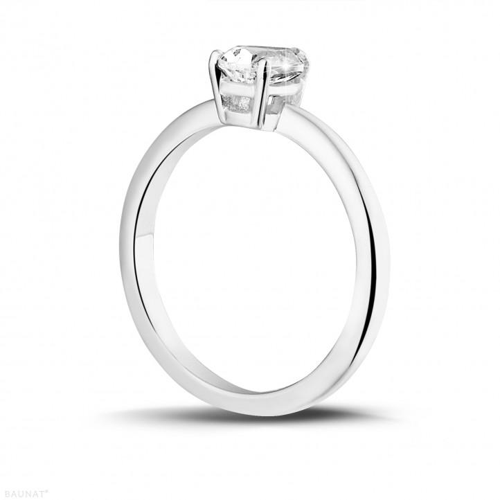 1.00克拉铂金梨形钻石戒指